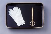 手袋・プラスチック賞状盆
